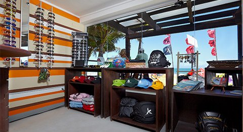 shop-cropped-Laurel-Eastman-kiteboarding-school-cabarete