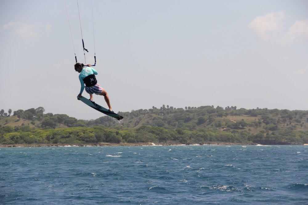 Laurel Eastman shows you can learn how to jump while kiteboarding