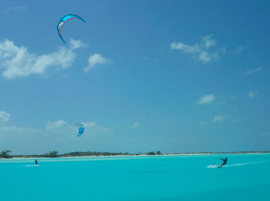 Kiteboarding the Exuma Chain – Bahamas Baby!