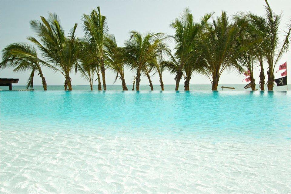 cabarete accommodation infinity swimming pool at millennium
