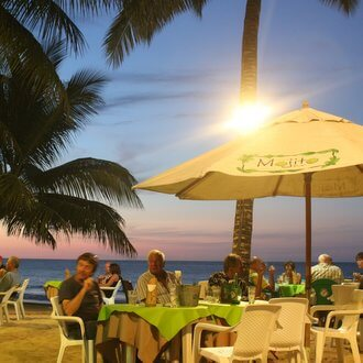 mojito-bar-cabarete-kiteboarding-lessons-laurel-eastman