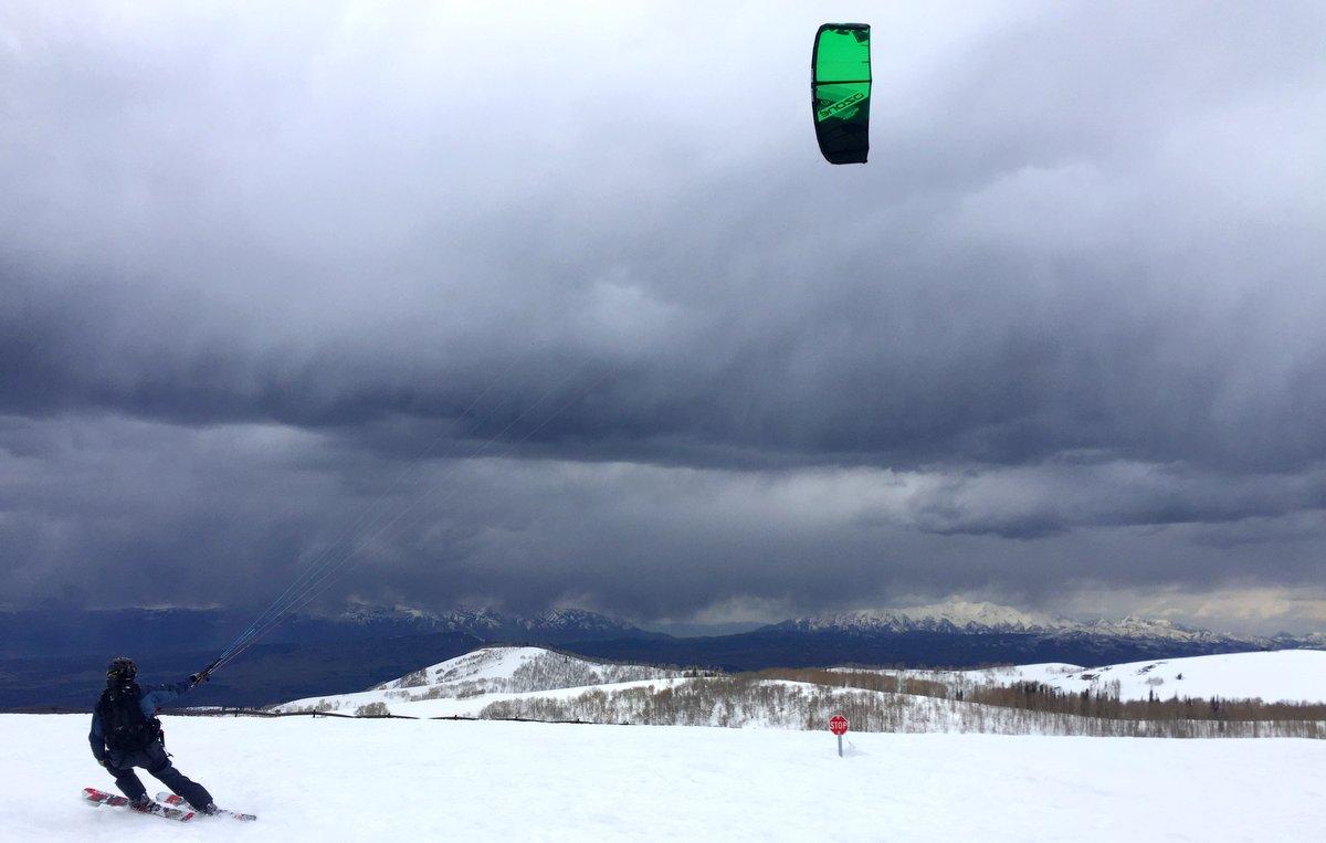 Snowkiting Skyline Utah